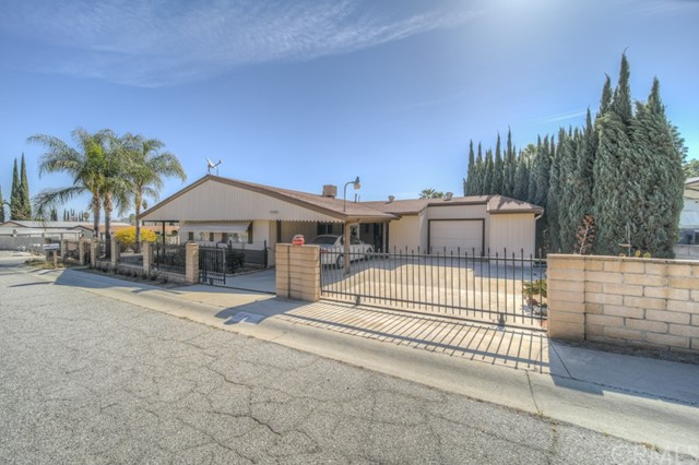 Detail Gallery Image 1 of 23 For 17105 Aragon Dr, Perris,  CA 92570 - 2 Beds | 2 Baths