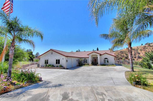 Single Family Home for Sale at 10022 Walnut Tree Lane Yucaipa, California 92399 United States