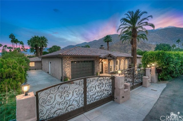 Single Family Home for Sale at 333 Valmonte Sur 333 Valmonte Sur Palm Springs, California 92262 United States