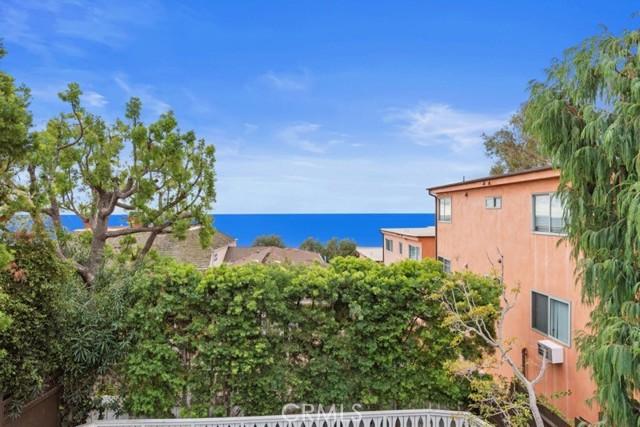274 Upland Road, Laguna Beach CA: http://media.crmls.org/medias/0bce8284-7131-46c8-9c11-ce0c8fba12d2.jpg