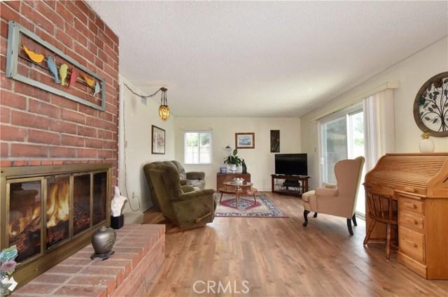 6209 Hungerford Street, Lakewood CA: http://media.crmls.org/medias/0bdaeacb-6275-4ca0-b3c2-ad9766798bc4.jpg