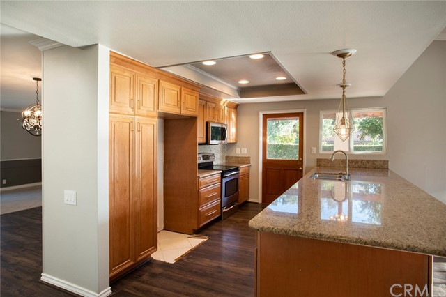 24842 Red Lodge Place, Laguna Hills CA: http://media.crmls.org/medias/0be5cb69-be70-4a9c-ab76-880a6f9dc025.jpg