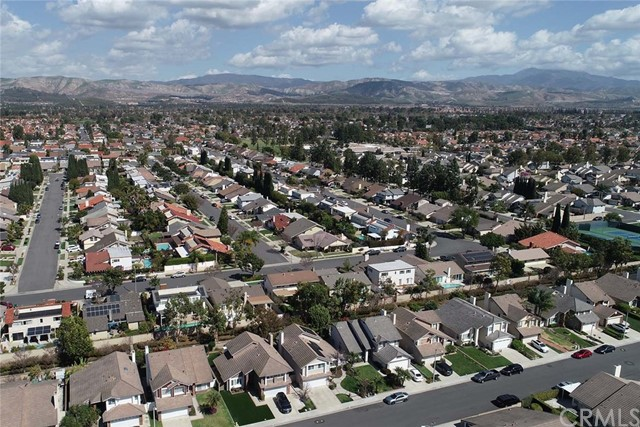 22 Phillipsburg, Irvine CA: http://media.crmls.org/medias/0bf862bd-c828-4503-8dcc-e1d2a744daac.jpg