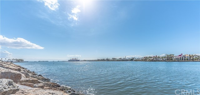 4514 E De Ora Way, Long Beach CA: http://media.crmls.org/medias/0c05d988-b7e8-4872-b484-9800eaafe02c.jpg