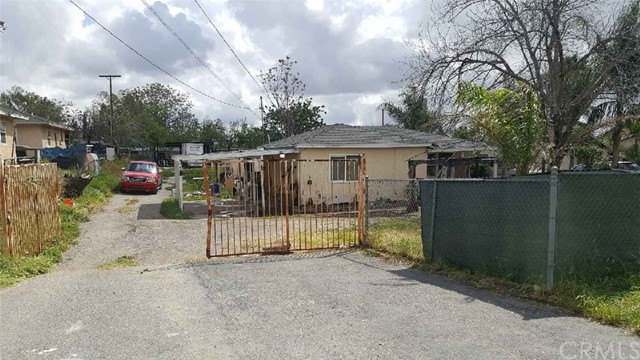 Single Family Home for Sale at 3029 State Street N San Bernardino, California 92407 United States