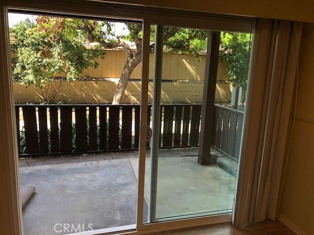 1010 W Macarthur Boulevard, Santa Ana CA: http://media.crmls.org/medias/0c0ada14-212b-4735-90a2-c5314f649c5c.jpg