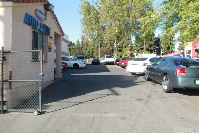 11540 Whittier Boulevard, Whittier CA: http://media.crmls.org/medias/0c259258-ca6d-4f1f-ad3c-72979e60ec3f.jpg