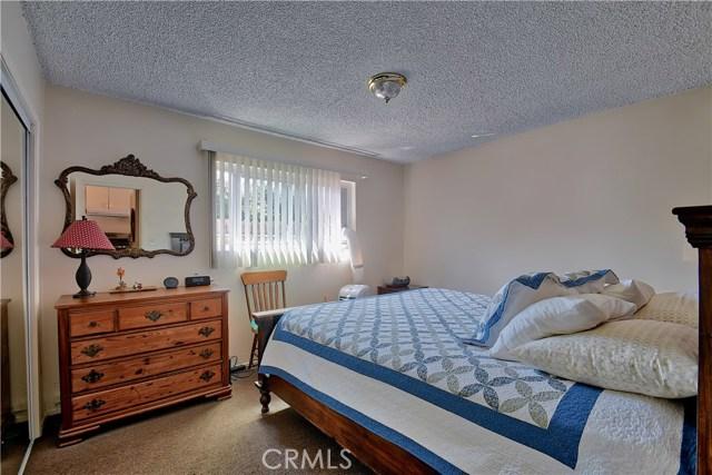 2077 Wallace Avenue, Costa Mesa CA: http://media.crmls.org/medias/0c29f117-5f4f-4ff7-94c5-d682382d1ea8.jpg