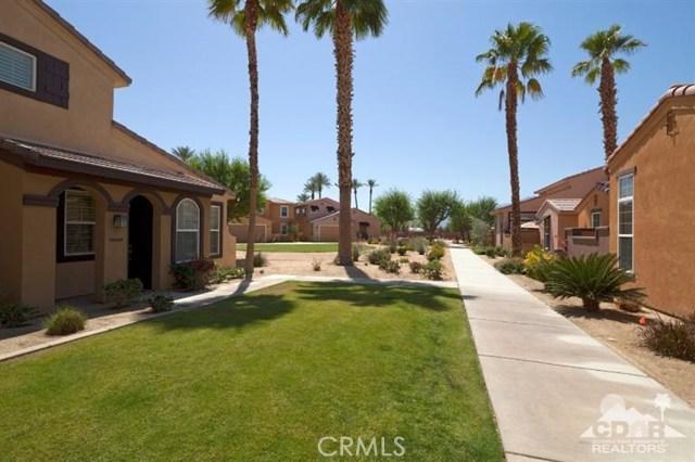 52185 Rosewood Lane, La Quinta CA: http://media.crmls.org/medias/0c2e8540-a429-436c-835f-dd6592985680.jpg