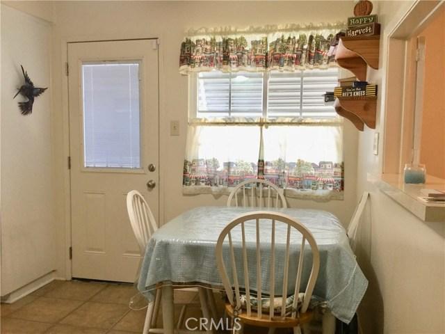 12009 Hartdale Avenue, La Mirada CA: http://media.crmls.org/medias/0c465f01-43a5-458d-b147-1c4fdf724b54.jpg