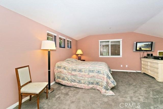 1301 Upland Hills S Drive, Upland CA: http://media.crmls.org/medias/0c4b5805-d873-4491-8329-031b7f10c5a0.jpg