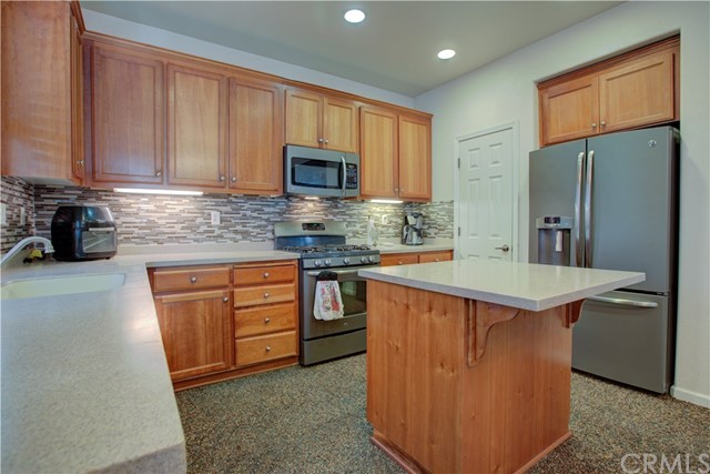 3724 Fallview Avenue, Ceres CA: http://media.crmls.org/medias/0c4bb79d-28be-432d-b945-3f3a633915c4.jpg