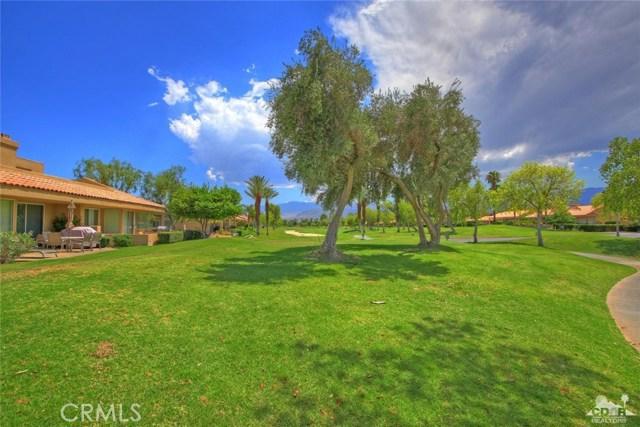 75 Augusta Drive, Rancho Mirage CA: http://media.crmls.org/medias/0c4f4100-11e6-46bc-8348-f4016dd3e515.jpg