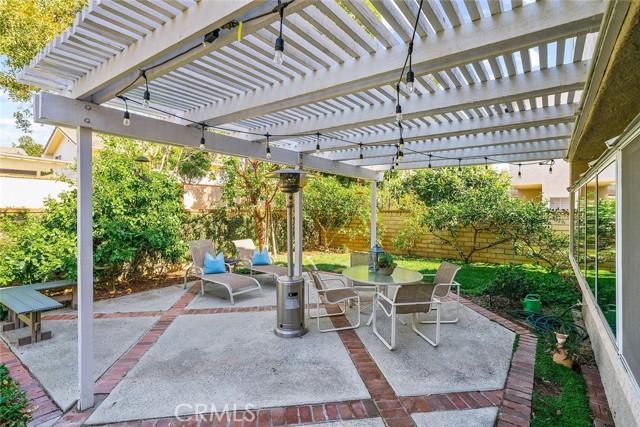 22 Phillipsburg, Irvine CA: http://media.crmls.org/medias/0c51acc7-b3e8-4044-b341-851ea146d0c0.jpg