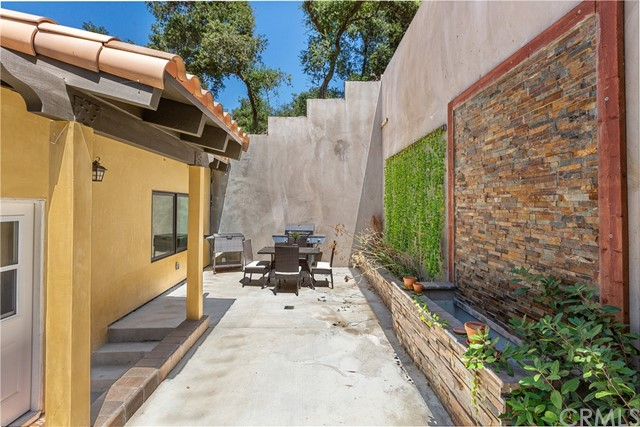 2564 E Chevy Chase Drive, Glendale, CA 91206