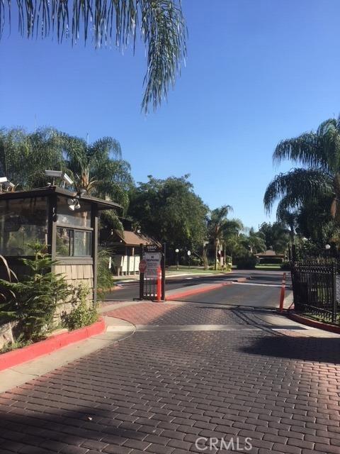 1151 S Chestnut Avenue, Fresno CA: http://media.crmls.org/medias/0c5cd189-16f4-4308-bfdb-f5bbe755b499.jpg