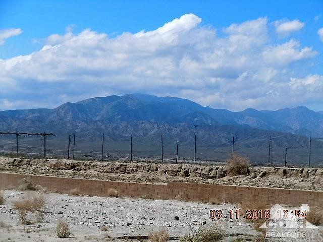 0 Bald Eagle Lane, Desert Hot Springs CA: http://media.crmls.org/medias/0c5d27ea-ca49-417f-8f4b-0ed90d941bed.jpg