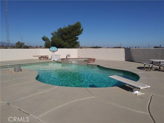 8462 Mesa Linda Street, Oak Hills CA: http://media.crmls.org/medias/0c5f4557-a8f8-49d3-84c7-ebf75e31f193.jpg