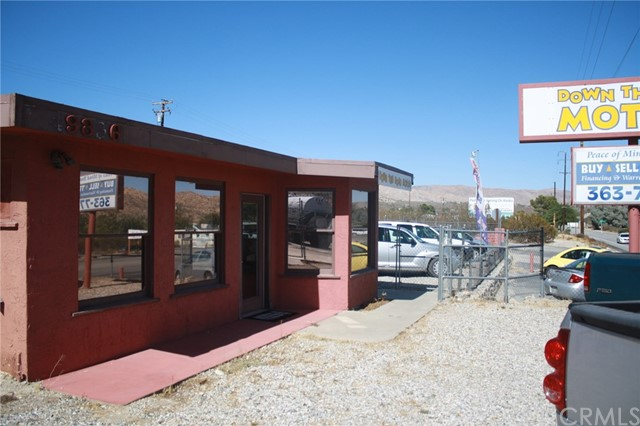 49896 29 PALMS Highway, Morongo Valley CA: http://media.crmls.org/medias/0c77df0a-5655-4008-8459-52f6defd486d.jpg