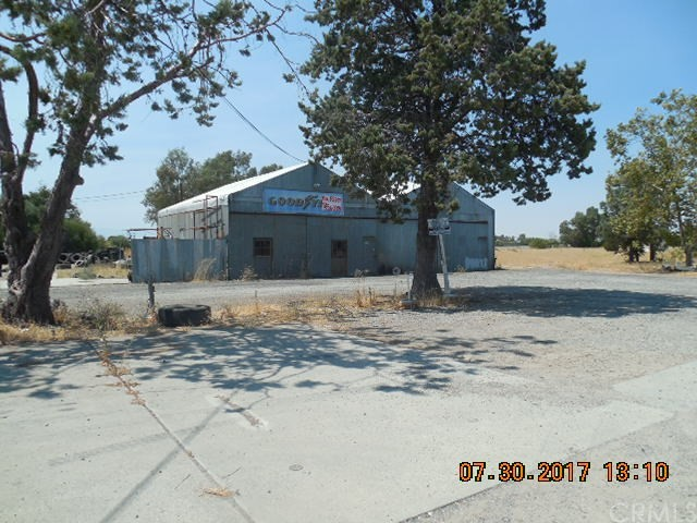 Single Family Home for Sale at 1075 Hwy 99w Corning, California 96021 United States