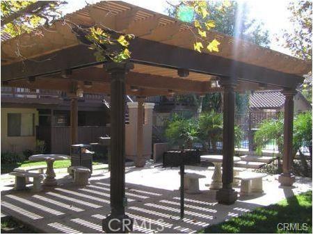 998 La Costa Drive, Corona CA: http://media.crmls.org/medias/0c947554-316e-4625-a0d9-e6f06b1390d4.jpg