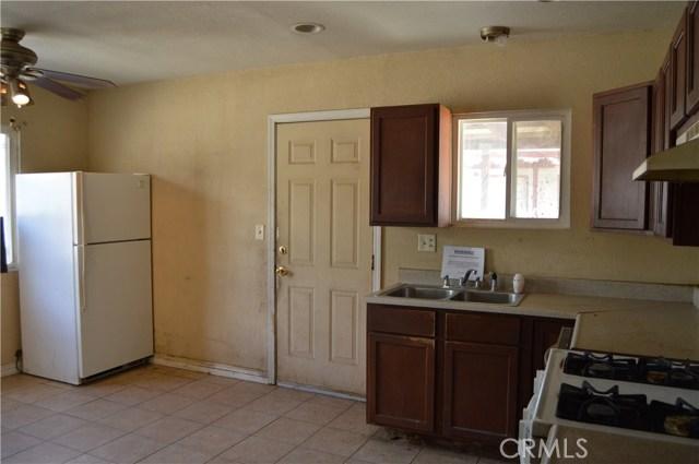 26179 6th Street, Highland CA: http://media.crmls.org/medias/0ca47651-52c7-4644-bc72-1fdd09efb30e.jpg