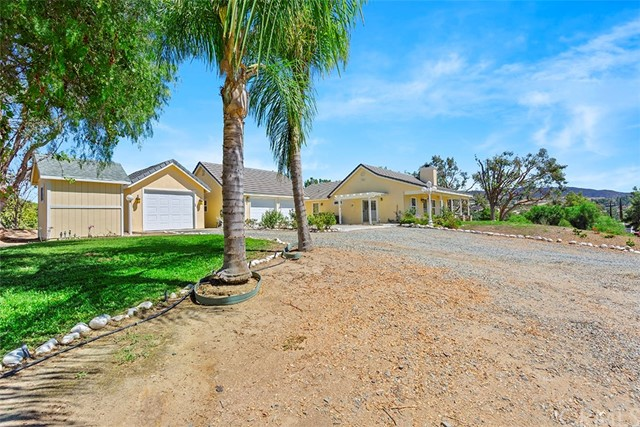 40140 MENG ASBURY ROAD, TEMECULA, CA 92592  Photo 19