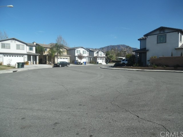 26172 Barnes Court, Highland CA: http://media.crmls.org/medias/0ccb510c-e108-44e2-a8d3-96ae80c71fe1.jpg