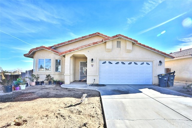 Detail Gallery Image 1 of 34 For 9597 Mountain Pine Ct, Phelan,  CA 92371 - 3 Beds | 2 Baths