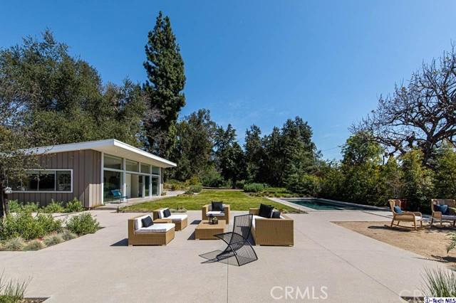 4804 Palm Drive, La Canada Flintridge CA: http://media.crmls.org/medias/0ce6a3a7-6fd5-43e7-9306-d21389c9bebb.jpg