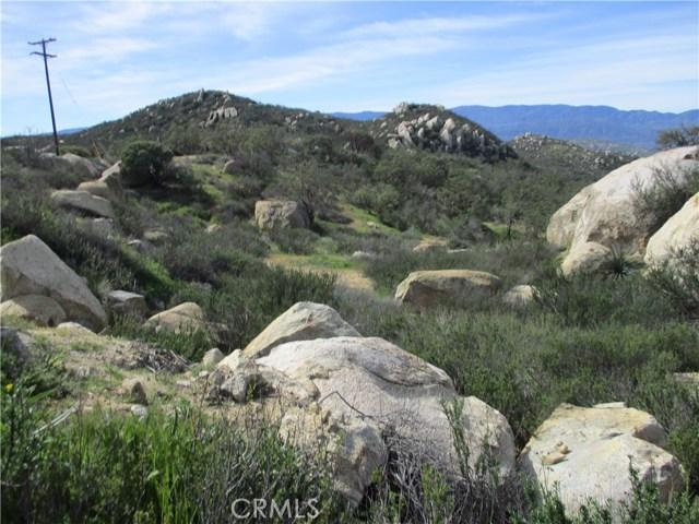 991 Crazy Horse Canyon Road, Aguanga CA: http://media.crmls.org/medias/0cee35de-a8cc-4992-b696-36398eea4dbf.jpg