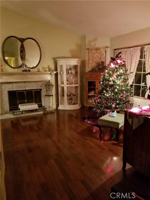 独户住宅 为 销售 在 22555 Kinross Lane Moreno Valley, 92557 美国
