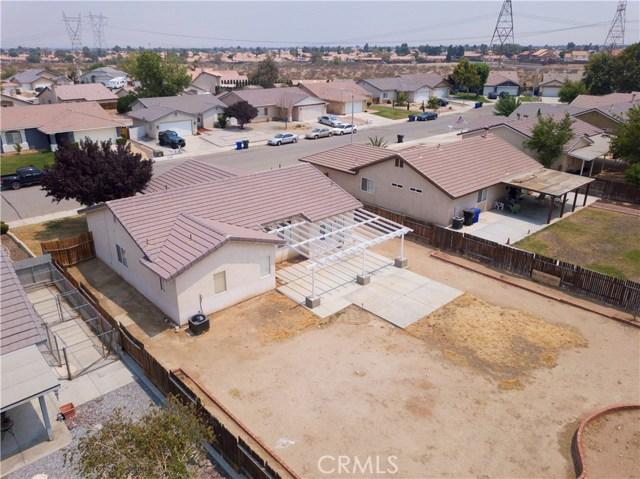 13002 Spelman Drive, Victorville CA: http://media.crmls.org/medias/0cfd9e16-eebc-41a3-ac14-6637483f20dc.jpg