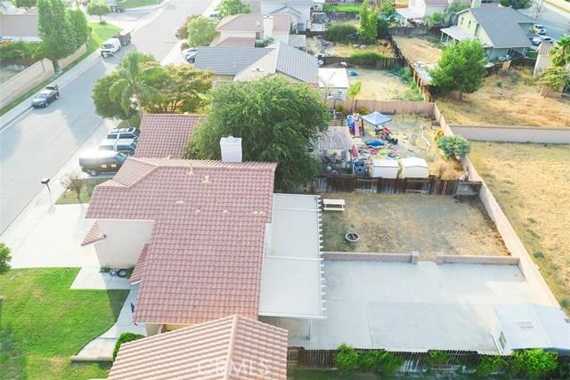1311 Summerchase Road, San Jacinto CA: http://media.crmls.org/medias/0d0271f9-3a5a-48fc-831e-77dea3011d97.jpg