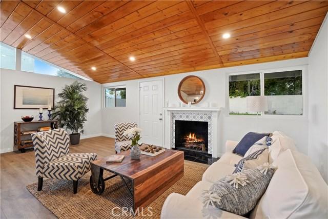 16321 Vincennes Street, North Hills CA: http://media.crmls.org/medias/0d0b1e93-72eb-459f-8be9-fbc90f85cd0a.jpg