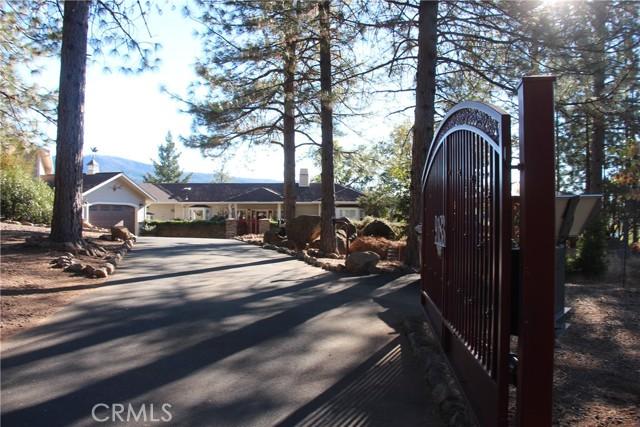 9183 Fox Drive, Cobb CA: http://media.crmls.org/medias/0d13900e-ef1a-4905-9e6c-b82a0aa9aca3.jpg