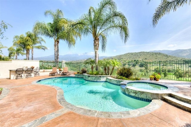 Single Family Home for Sale at 26 Barneburg Rancho Santa Margarita, California 92679 United States