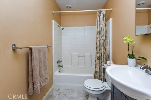 3601 Linwood Place, Riverside CA: http://media.crmls.org/medias/0d15d111-a69e-4d94-816a-95cabf06261d.jpg