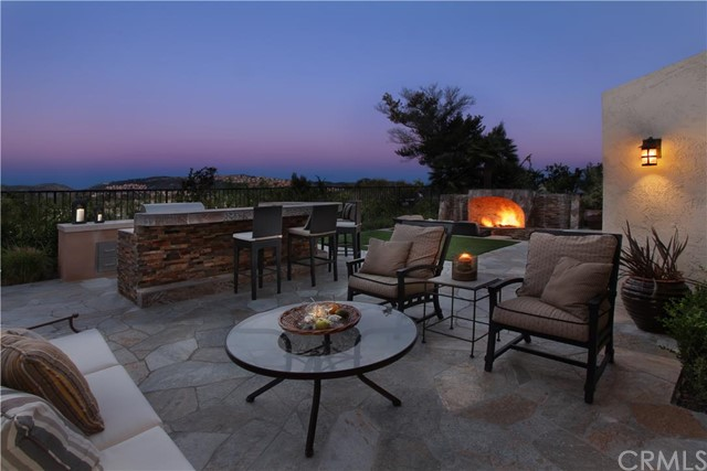 Single Family Home for Sale at 6 Rocky Point St Corona Del Mar, California 92625 United States