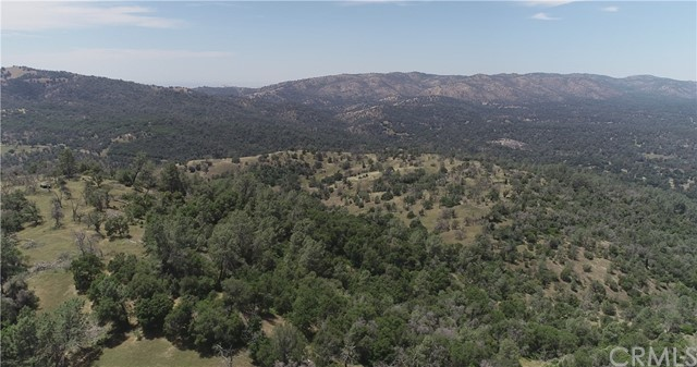 80 Lookout Mountain Road, Mariposa CA: http://media.crmls.org/medias/0d2b53e9-c9a4-4507-b438-cc5f0d01c924.jpg