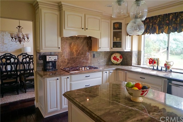 6633 Brownstone Place, Rancho Cucamonga CA: http://media.crmls.org/medias/0d2b8b94-6c16-40b7-ba49-b1e207f20be7.jpg