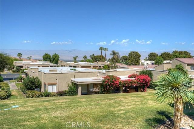 72308 BLUERIDGE Court, Palm Desert CA: http://media.crmls.org/medias/0d30fb0d-db31-45d4-8247-082c5b430e5e.jpg