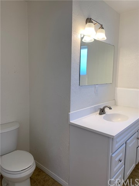 1035 Laurel Avenue, Pomona CA: http://media.crmls.org/medias/0d54679e-af22-42f6-a127-aa24cd223502.jpg