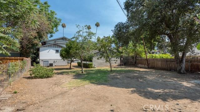 990 E Howard Street, Pasadena CA: http://media.crmls.org/medias/0d67314c-89c3-48d4-a51a-a7989b4cb16f.jpg