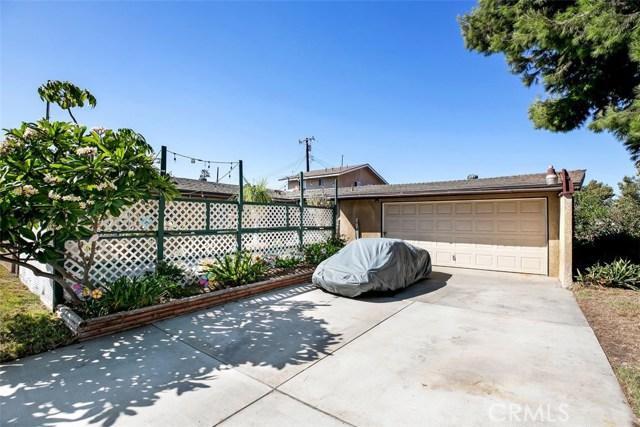 918 S Elliott Place, Santa Ana CA: http://media.crmls.org/medias/0d69254d-2ea5-44c6-be59-55f997a66a76.jpg