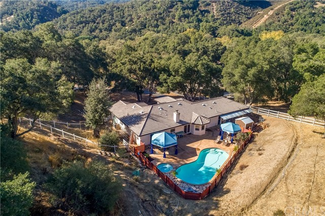 Property for sale at 6905 Lomitas Road, Atascadero,  CA 93422