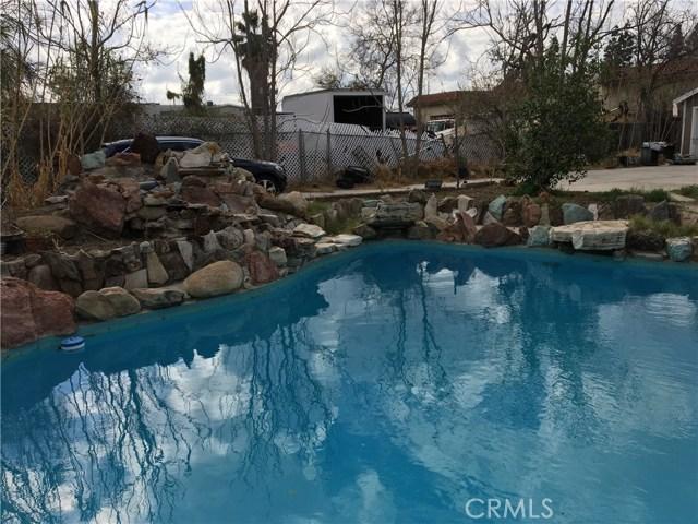 8947 Noble Avenue, North Hills CA: http://media.crmls.org/medias/0d71357e-b420-4afc-9ebd-4afe463826a3.jpg