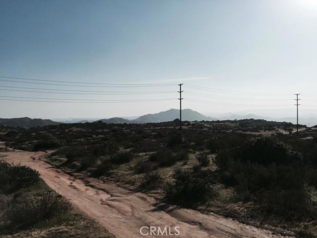 37 Minton Road, Homeland CA: http://media.crmls.org/medias/0d7dd2ce-79d0-4033-b396-43a71184c90b.jpg