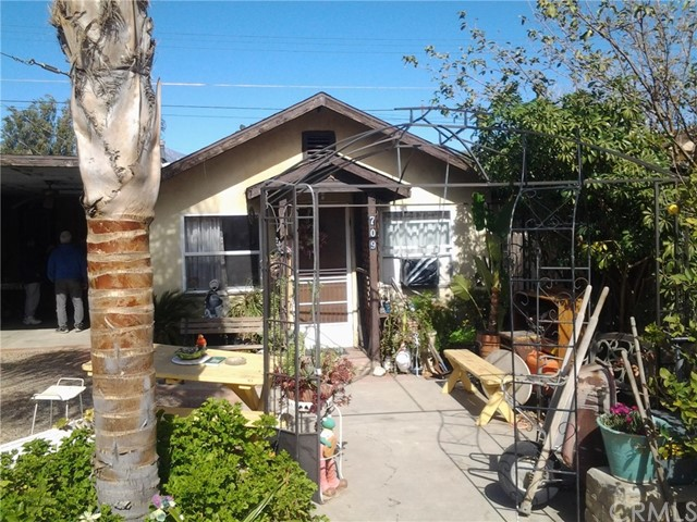 Residential Income for Sale at 699 Plaza Street 699 Plaza Street Banning, California 92220 United States