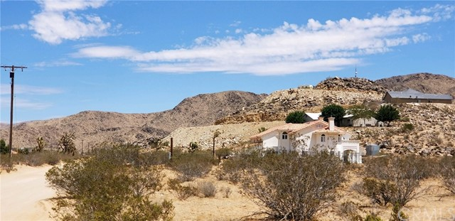 25065 Little Teepee Road, Apple Valley CA: http://media.crmls.org/medias/0d858406-4fb8-45bc-aa72-c138d14d2168.jpg